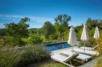 Gîte Aquitaine Gîte Verteillac Villa Sleeps 12 with Pool and WiFi
