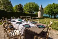 Gîte Rhône Alpes Gîte Pieds dans l'eau : La Tour de Veyrier du lac
