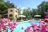 Gîte Aquitaine Gîte Vezac Villa Sleeps 6 Pool WiFi