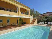 Gîte Var Gîte Spacious Holiday Home in Vidauban with Swimming Pool
