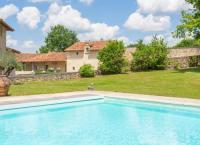 Gîte Aquitaine Gîte Vieux-Mareuil Villa Sleeps 12 Pool WiFi