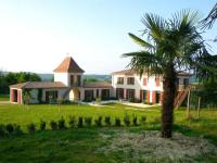 Gîte Aquitaine Gîte Villa with 8 bedrooms in VilleneuvesurLot with private pool furnished garden and WiFi
