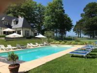 Gîte Calvados Gîte Superbe Villa Individuelle avec Piscine et Tennis privatifs