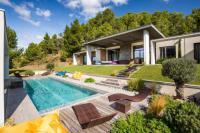 Gîte Pyrénées Orientales Gîte Vingrau Villa Sleeps 12 Pool Air Con WiFi