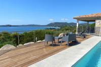 gite Conca Magnifique villa avec vue 180 sur la baie de Pinarello et piscine chauffée