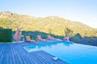 Gîte Corse Gîte Villa de caractère en pierre et bois avec piscine