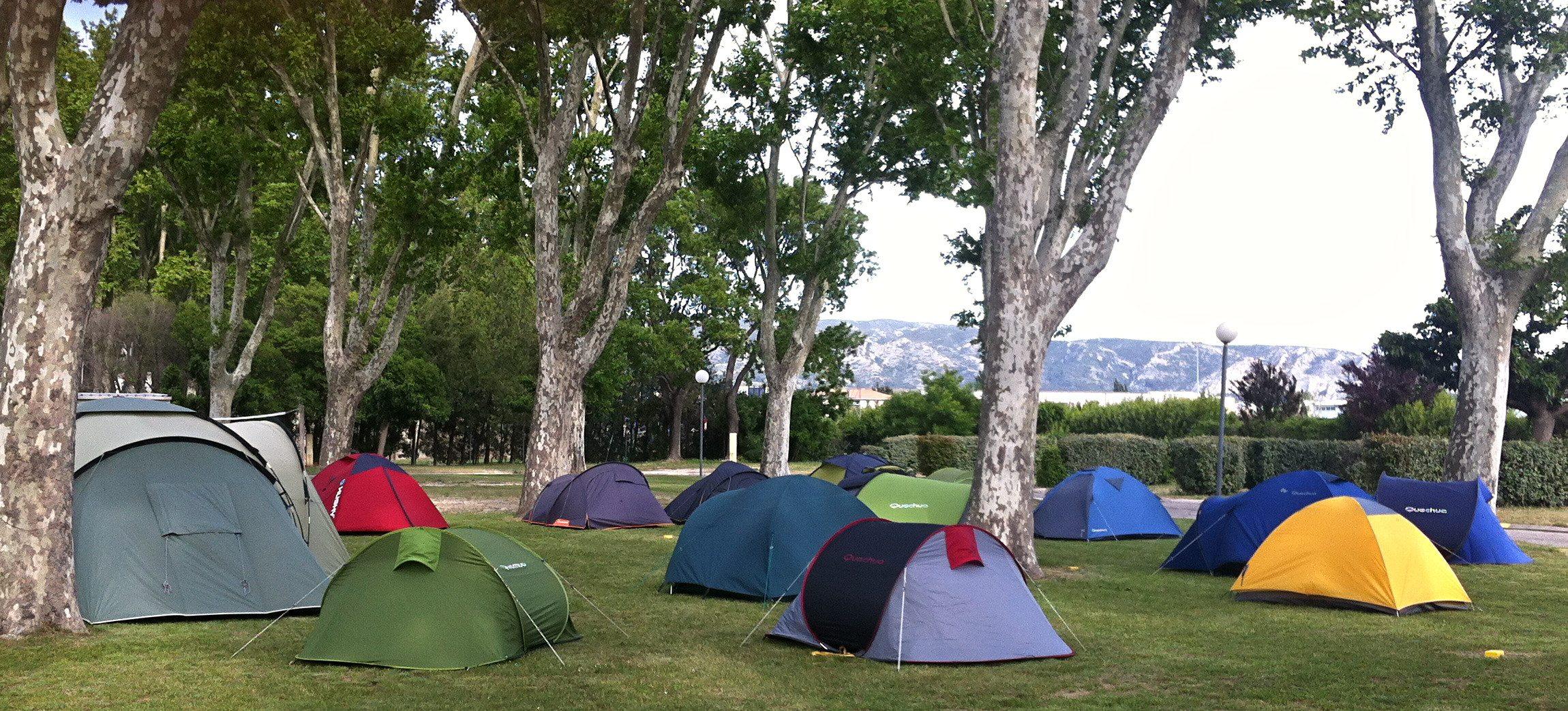 Camping Intercommunal De La Durance-Tentes-avec-vu-sur-Luberon