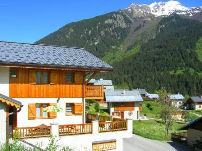 Cosy Chalet in Champagny-en-Vanoise near Ski Area-Chalet-De-La-Cote