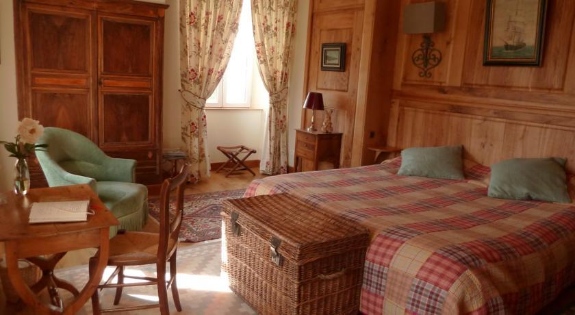 Chambres d'Hôtes du Hameau Les Brunes-Chambres-d-Hotes-du-Hameau-Les-Brunes