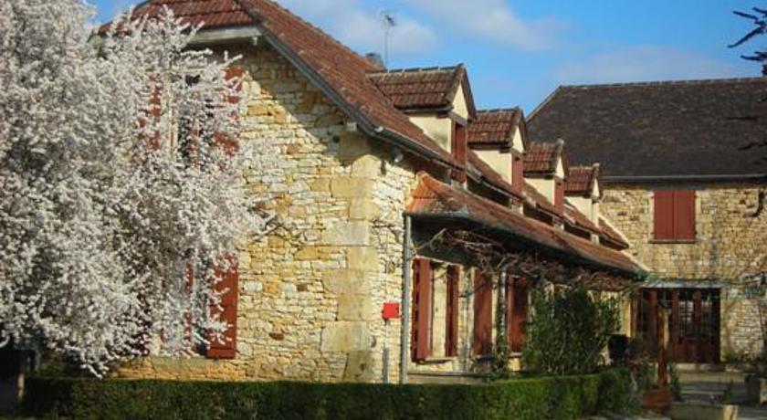 Chambres d'Hôtes et Gîte Chastrusse-Chambres-d-Hotes-et-Gite-Chastrusse
