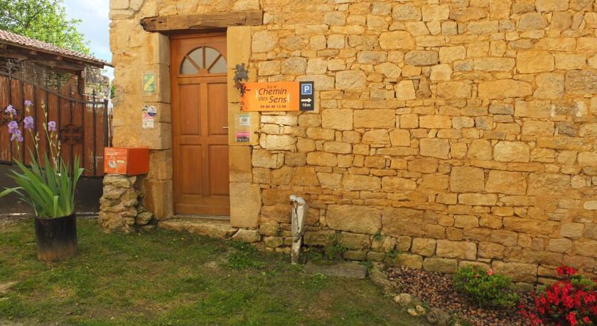 Chambres d'Hôtes - Sur Le Chemin des Sens-Chambres-d-Hotes-Sur-Le-Chemin-des-Sens