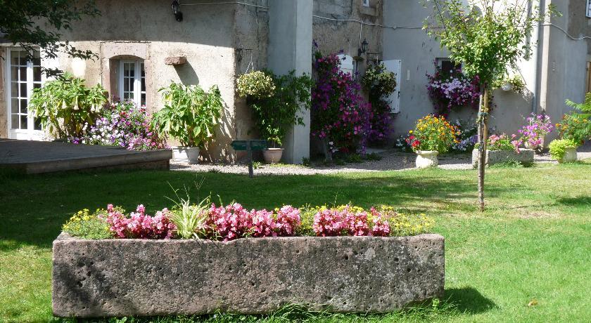 Chambres d'Hôtes Le Clos Fleuri-Chambres-d-Hotes-Le-Clos-Fleuri