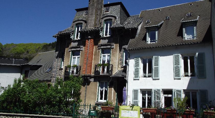Chambres D'Hôtes Les Garçonnières Du Sancy-Chambres-D-Hotes-Les-Garconnieres-Du-Sancy