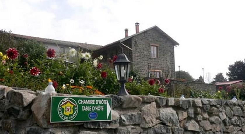 Chambres d'hôtes La Cime Beaujolaise-Chambres-d-hotes-La-Cime-Beaujolaise
