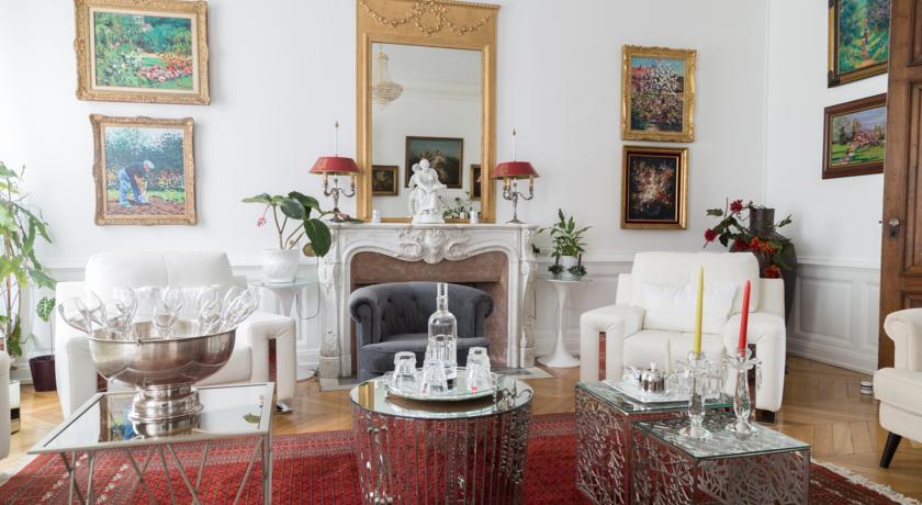 Chambres d'Hôtes - La Villa De La Paix-Chambres-d-Hotes-La-Villa-De-La-Paix