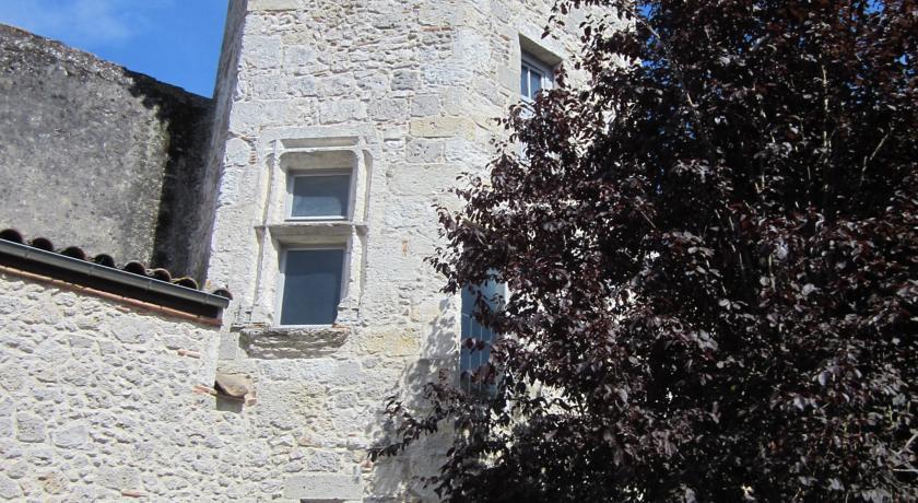 Chambre d'Hôtes La Tour de Brazalem-Chambre-d-Hotes-La-Tour-de-Brazalem