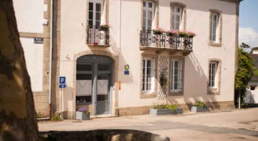 La Glycinière Chambres d'Hôtes-La-Glyciniere-Chambres-d-Hotes