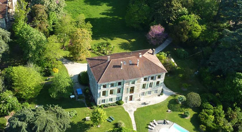 Maison d'Hôtes Domaine de Bernou-Maison-d-Hotes-Domaine-de-Bernou