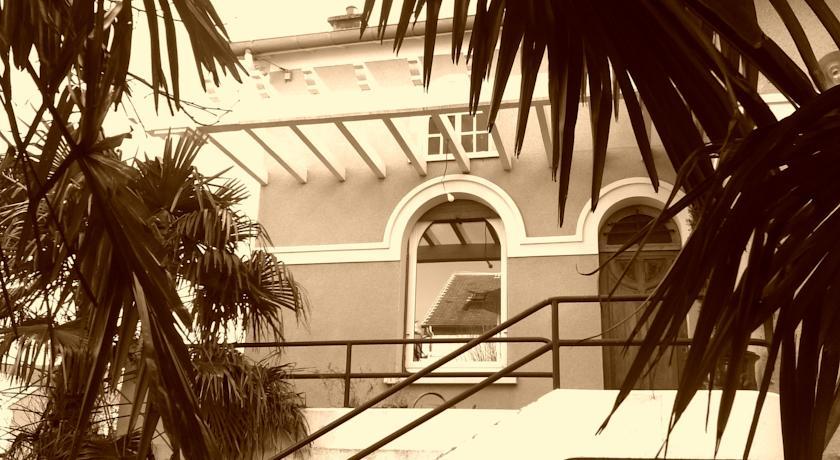 Chambre d'Hôtes Villa Les Tilleuls-Chambre-d-Hotes-Villa-Les-Tilleuls