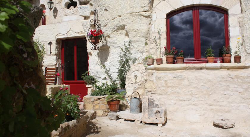 Les Chambres d'Hôtes Troglo du Rossignolet-Les-Chambres-d-Hotes-Troglo-du-Rossignolet