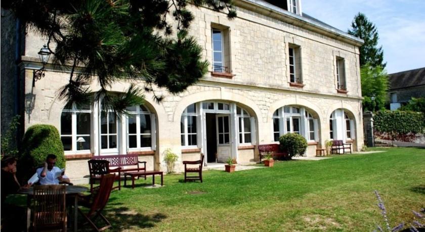 Chambres d'Hôtes La Couronne-Chambres-d-Hotes-La-Couronne