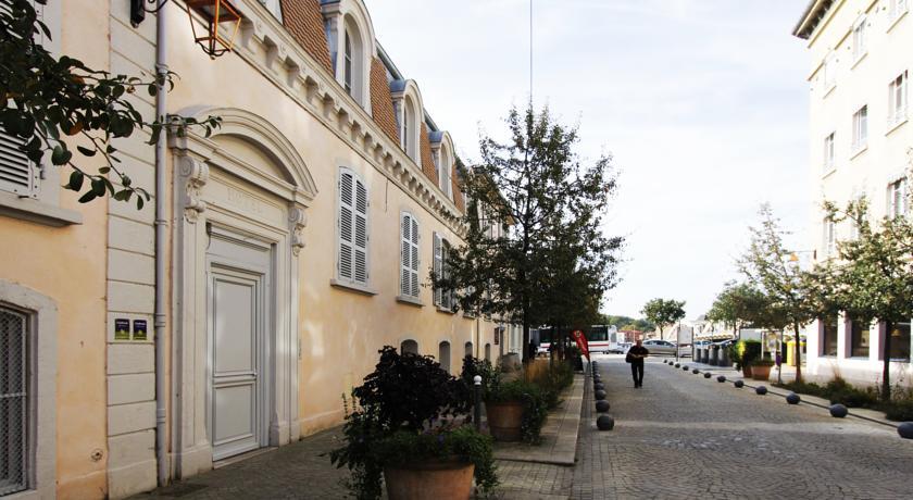 Chambres d'Hôtes du Lion d'Or-Chambres-d-Hotes-du-Lion-d-Or