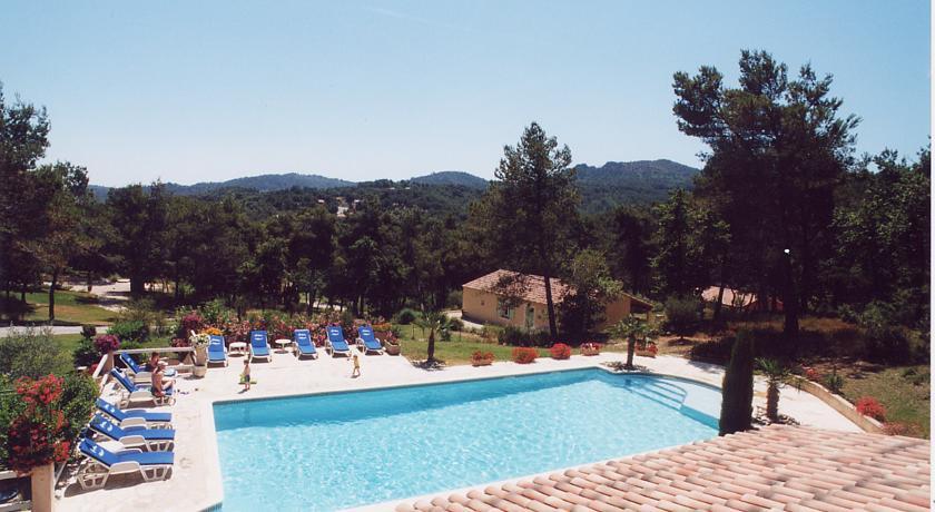Chambres d'hôtes Roque Blanc en Provence-Chambres-d-hotes-Roque-Blanc-en-Provence
