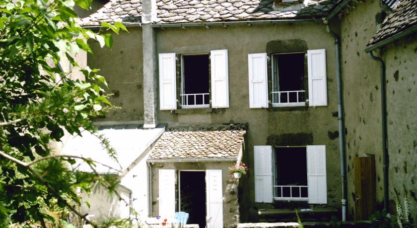 Chambre d'Hôtes La Maison de Barrouze-Chambre-d-Hotes-La-Maison-de-Barrouze