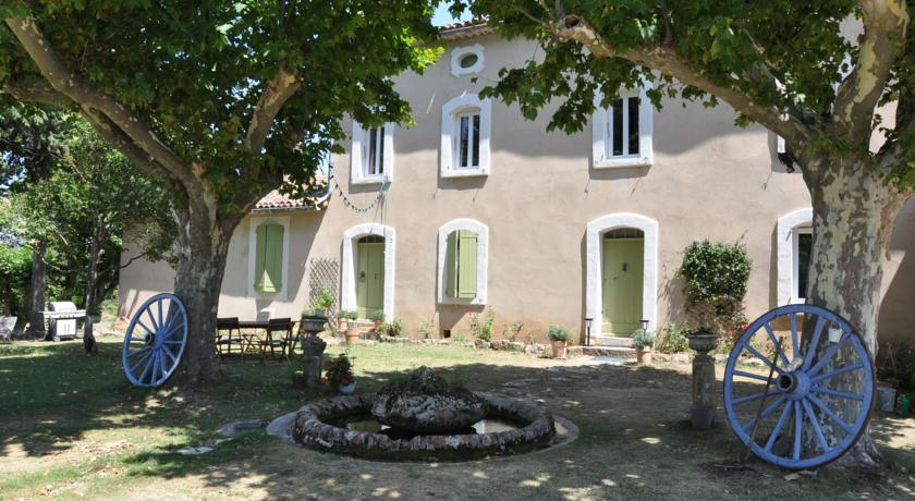 Le Vallon des Palombes - maison d'hôtes-Le-Vallon-des-Palombes-maison-d-hotes