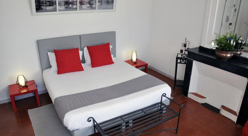 La Grussan-Hôtes Bed & Breakfast-La-Grussan-Hotes-Bed-Breakfast