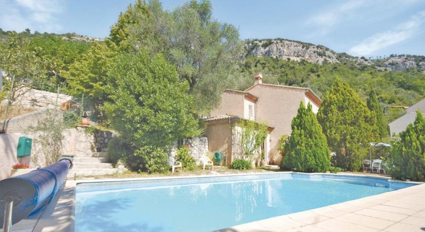 Holiday home Route de Chateauneuf-Holiday-home-Route-de-Chateauneuf