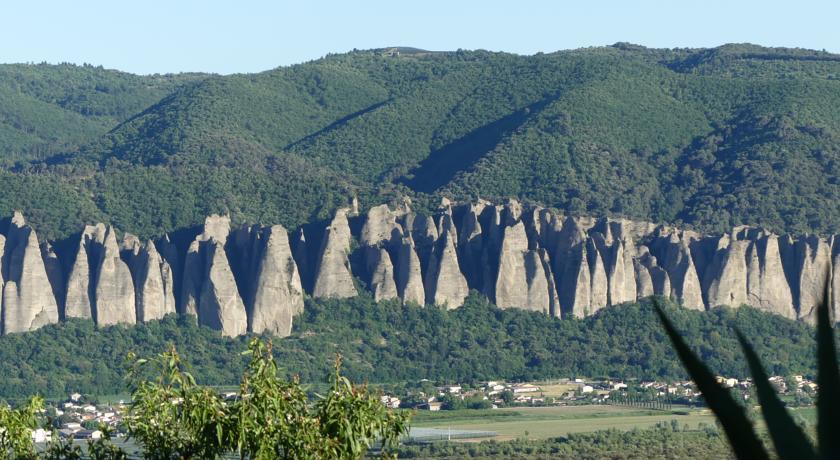 Les Vieux Murs-Les-Vieux-Murs