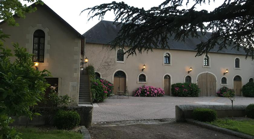 Groom's Cottage at Chateau l'Hubertiere-Groom-s-Cottage-at-Chateau-l-Hubertiere