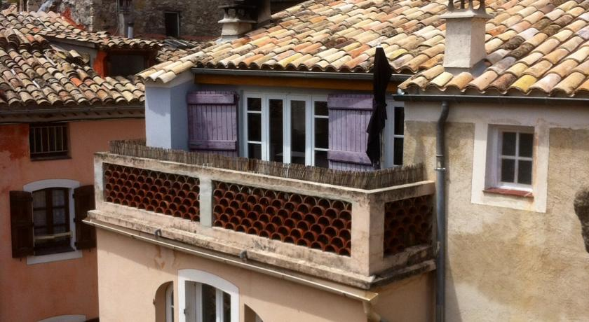 La Chambre 21, Entrevaux en Provence, proche de Nice-La-Chambre-21-Entrevaux-en-Provence-proche-de-Nice