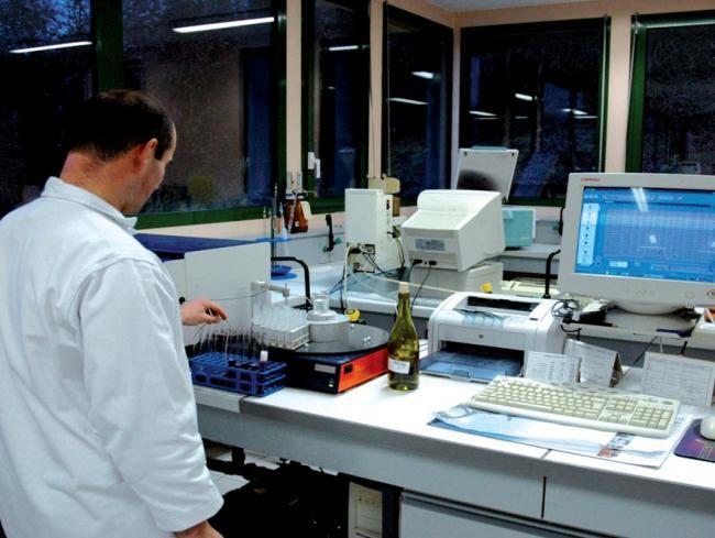 Visites secrètes : Centre technique des AOC-Credit-c-centre-aoc-entreprise