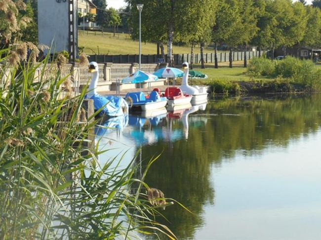 LOCATION DE PEDALOS AU CAMPING SAINT - VIT-Credit