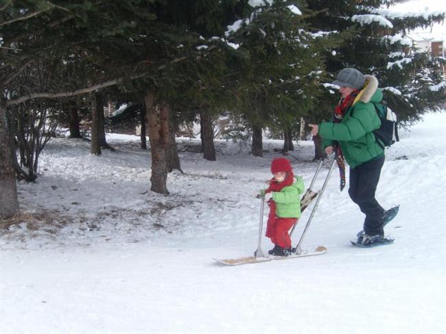 GLISSE ORIGINALE AVEC BABYSNOW, BABYLUGE ET SNOWKICK-Credit