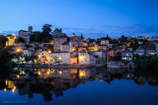 Visite aux Lampions Commentée de la Cité Médiévale de Puy-l'Evêque-Credit-Office-de-Tourisme-Lot-Vignoble