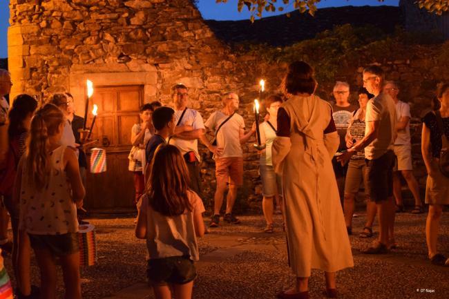 Les 700 Ans de la Bastide de Montolza - Visite aux Flambeaux de la Bastide Montolza - Cazals-Credit-OT-Najac
