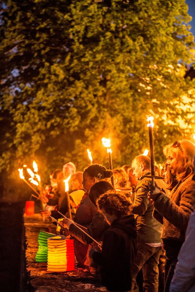 Pays d'Art et d'Histoire : Visite Nocturne aux Lampions-Credit