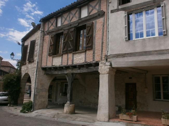 Visite guidée du bourg médiéval de Beauville-Credit-Sandy-Perier