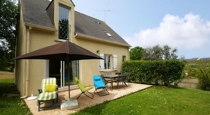 Modern Holiday Home in Cancale with Terrace-Baie-D-Emeraude-La-Mouette