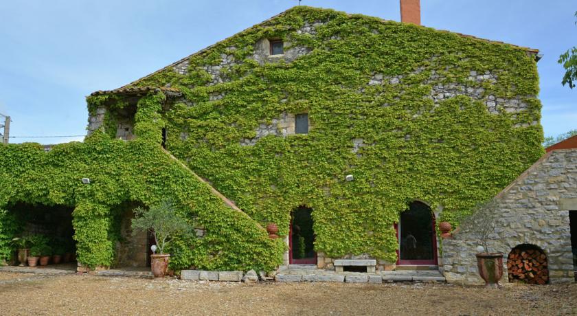 Vintage Villa in Viols-en-Laval with Private Garden-Domaine-De-Lavit