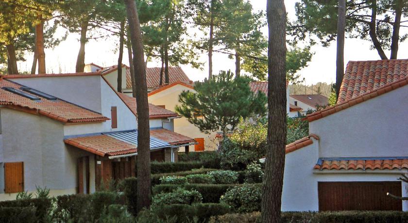 Holiday Home Le Hameau de Talaris.1-Le-Hameau-de-Talaris