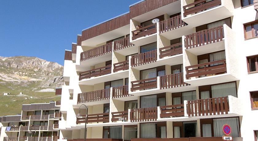 Apartment Le 2100 A et B.7-Le-2100-A-et-B-1