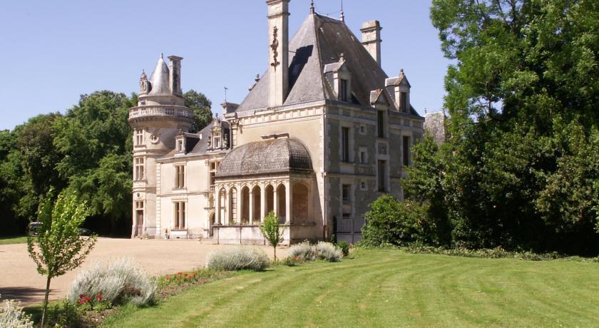 Chateau de la Court d'Aron-Chateau-de-la-Court-d-Aron