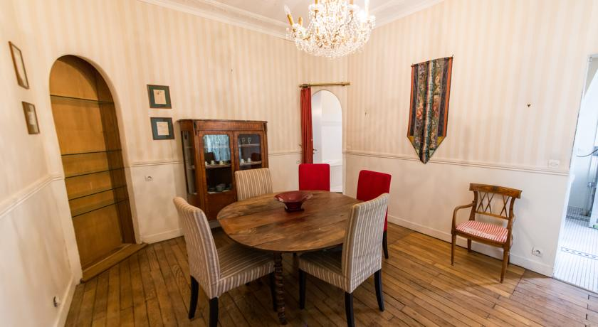 Family Apartment Ferrandi-Family-Apartment-Ferrandi