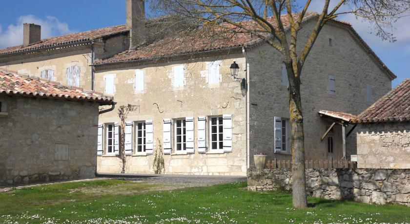 Chambre d'Hôte Les Claoues-Chambre-d-Hote-Les-Claoues