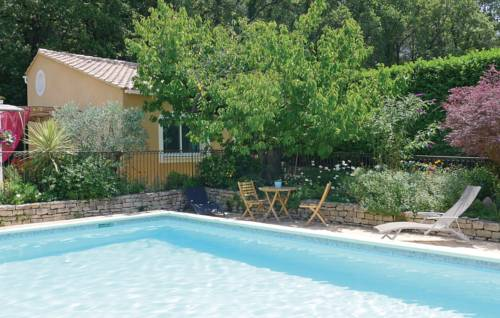 Holiday Home Eyragues Chemin De L'Arenier II-Holiday-Home-Eyragues-Chemin-De-L-Arenier-II