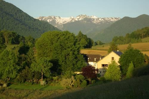 Gites Vallée d'Ossau - Les Jardins du Cot-Gites-Vallee-d-Ossau-Les-Jardins-du-Cot